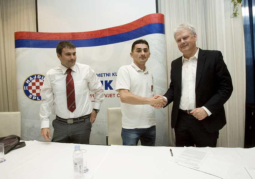 Potpis ugovora s Hajdukom